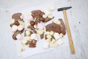 Easter Bark Borrels en Bites Blog Tony Chocolonely